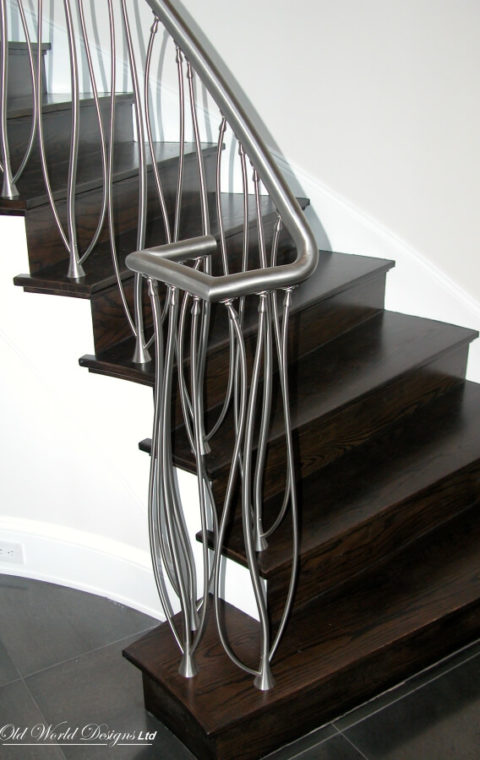 Brookville Vitamin Water - Circular staircase (metal and wood)