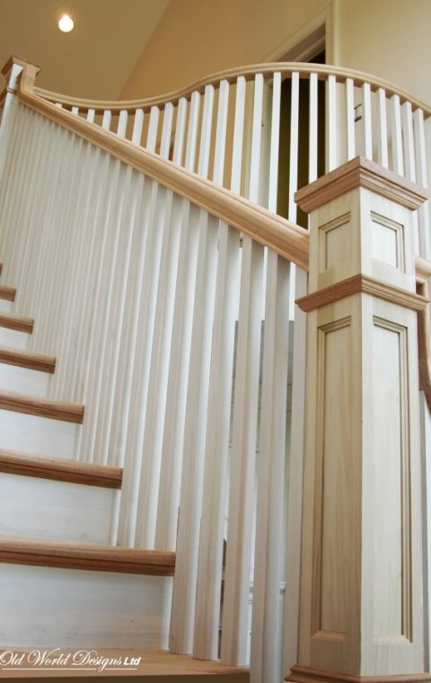 Huntington Bay - Straight staircase (wood)