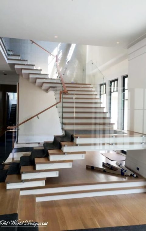 Mixed staircases (wood and glass)