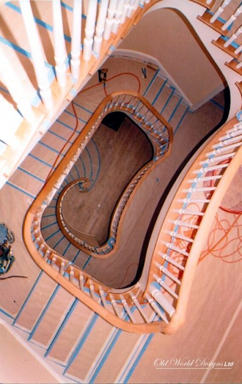 Manhattan - Circular staircase (wood)