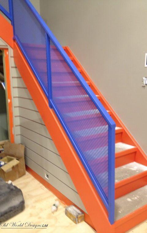 Basketball court - Manhasset - Straight staircase (metal)