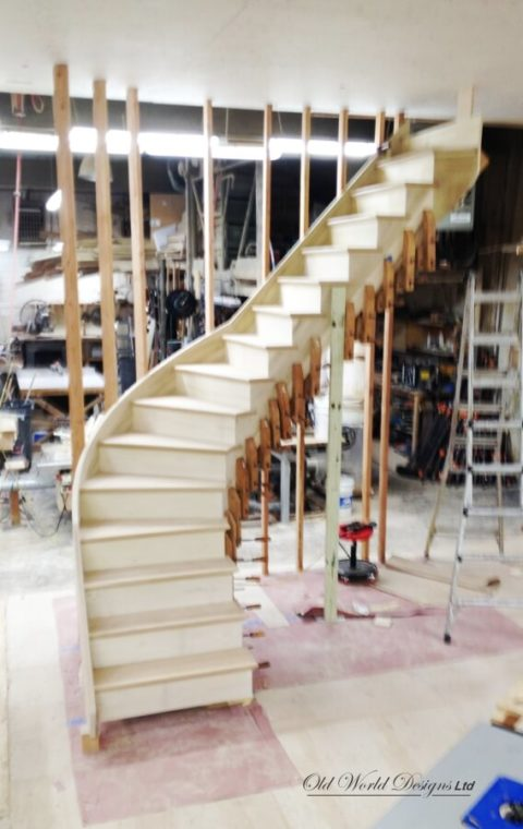 In the shop - Mixed staircases (wood)