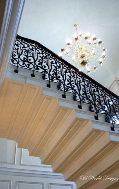 Symmetrikal staircase (metal and wood)